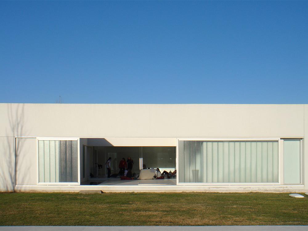 Casa Patio FR - Estudio Aire, Arquitectura, Casas